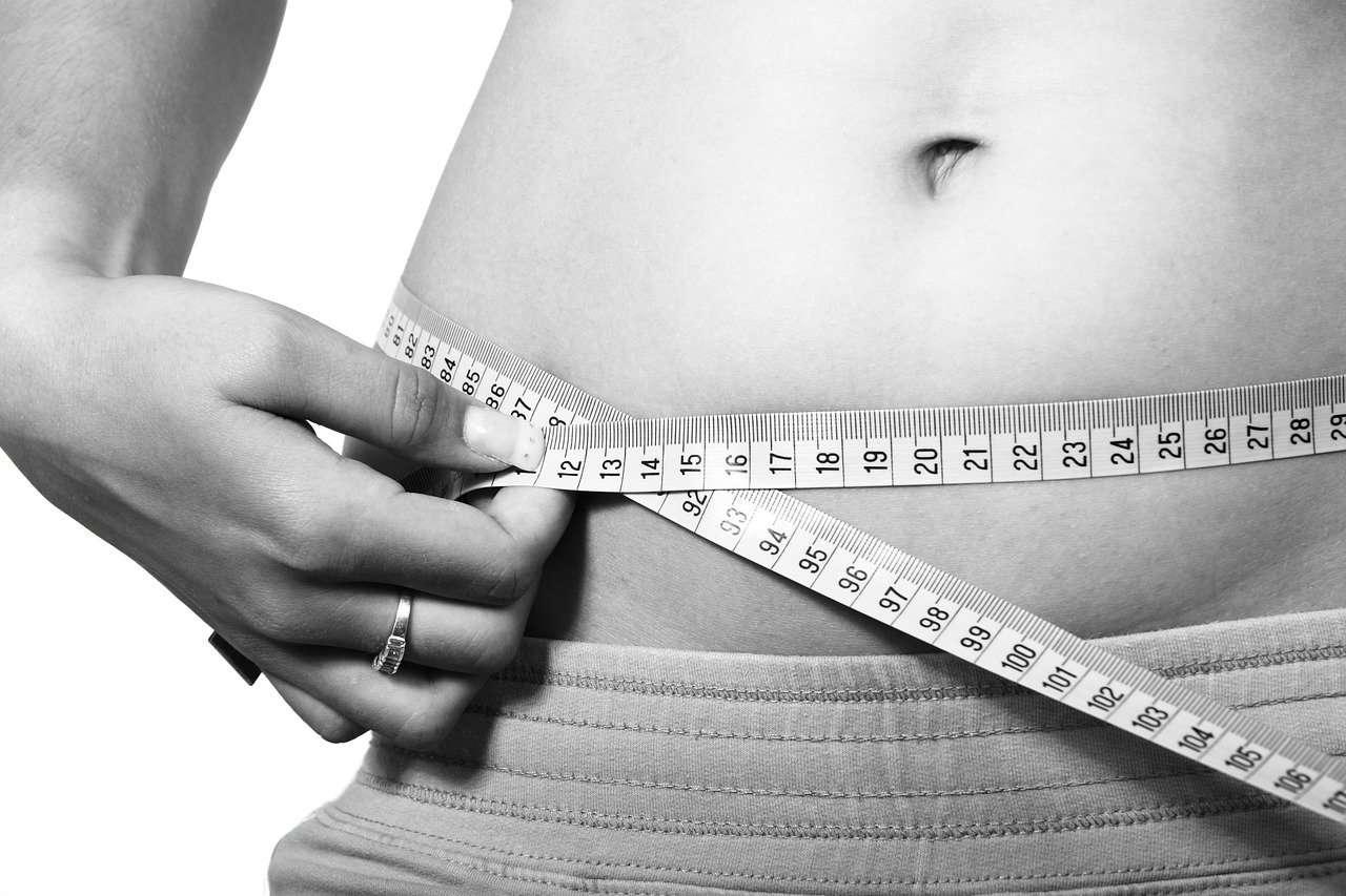 חישוב אחוזי שומן לגברים ולנשים לפי גובה ומשקל